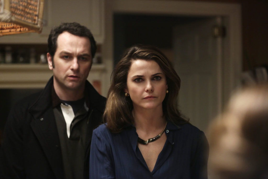 """Stingers"" Episode 310 Pictured (l-r): Matthew Rhys as Philip Jennings; Keri Russell as Elizabeth Jennings. CR: Patrick Harbon/FX"